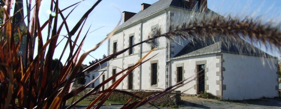 Saint-Étienne-de-Mer-Morte: Toutes les annonces de vente de maisons. Maison / Villa 1 pièce, St Etienne de Mer Morte. 23 000 € ou 90 €/mois*.